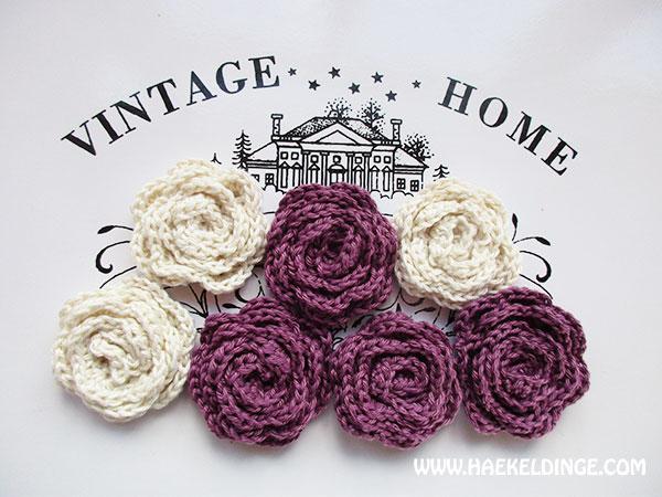 Gehäkelte Rosen in violett und beige – Häkeldinge